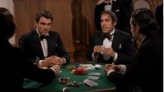 У меня тузовый покер