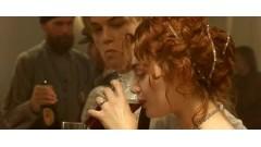 Что, думаешь, девушки из высшего общества не умеют пить